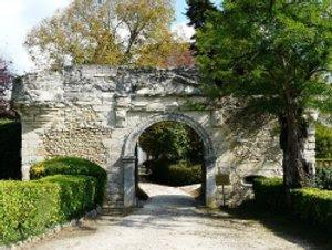 Entrée du Château de Mauriac.