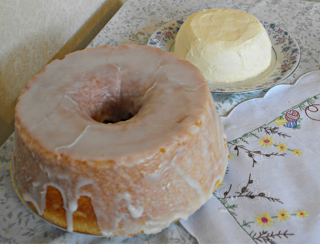 Easter dessert of Kulich and Pashka