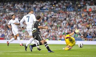Cristiano+Ronaldo+Real+Madrid+CF+v+Granada+ kgXJdxfNGgl صور كريستيانو رونالدو مباراة غرناطة الدوري 2012/2013 2 سبتمبر 2012