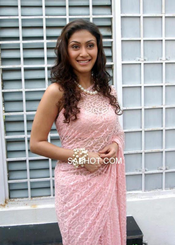 - Manjari Phadnis in Pink Saree