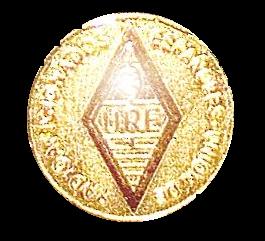 Botón de Oro de URE entregado el 11-VII-2014 por EA1YO, Presidente