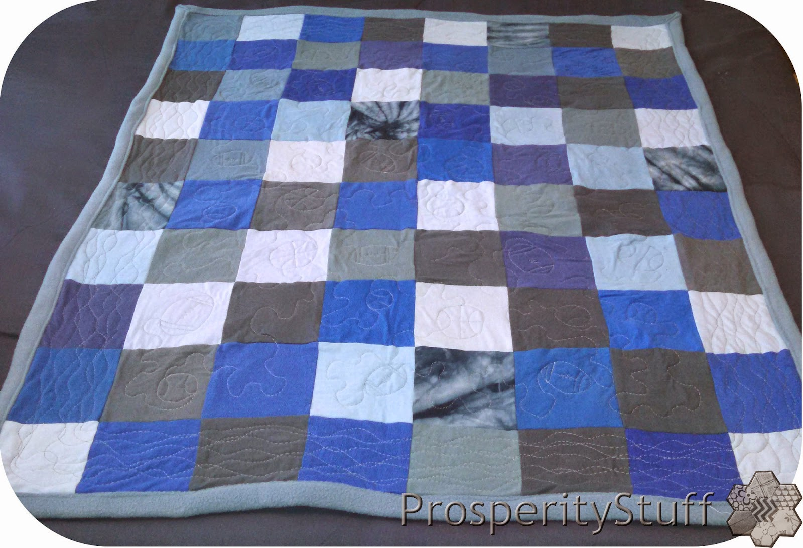 ProsperityStuff Quilts: Fleece and T-Shirt patchwork jersey baby quilt