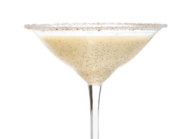 how to make eggnog cocktail