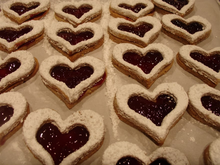 Mystery Lovers' Kitchen: Linzer Cookies