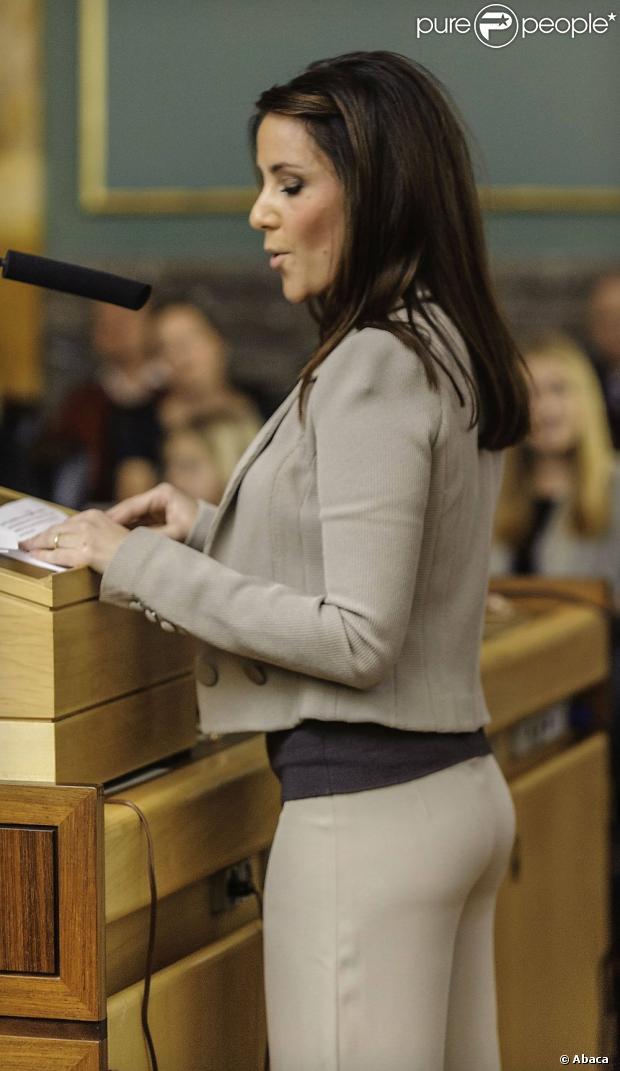 dansk pornostjerne Prinsesse Marie bryster