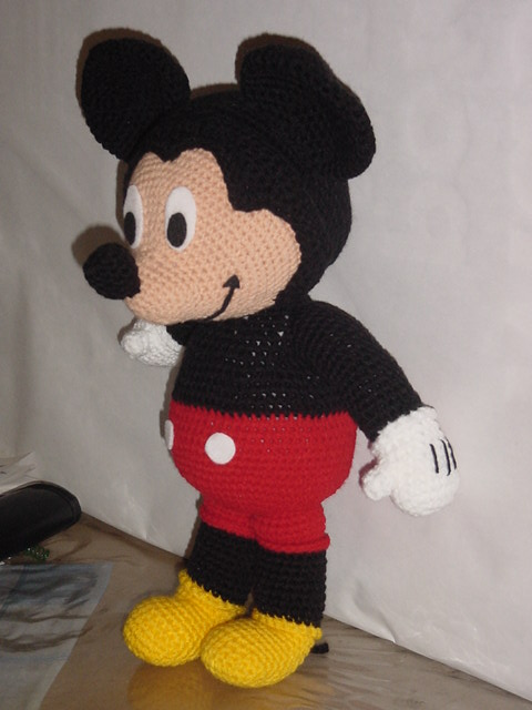 lizyland: Mickey Mouse al crochet