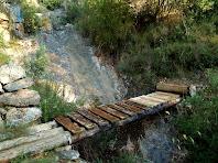 El pont de fusta en el Camí del Soldat Romà