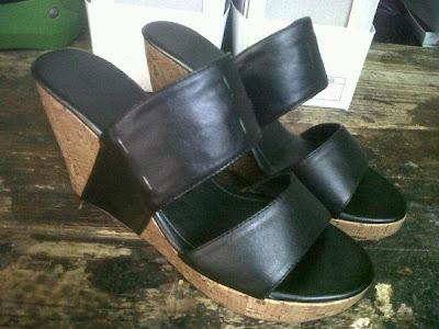 Aneka model sepatu sandal wanita murah,sandal wanita model Black