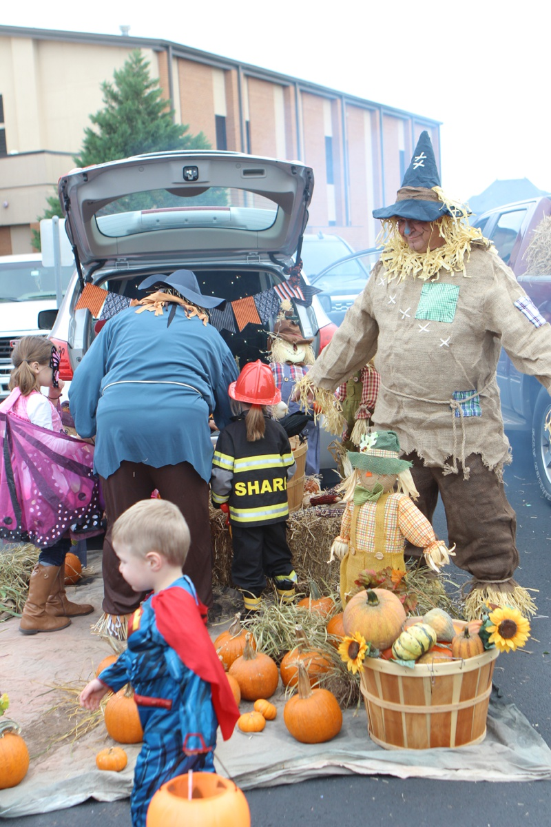Trunk or Treat Idea ScareCrows