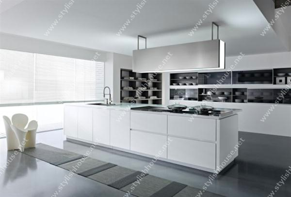 Clean and white Modern And Luxury Italian Kitchen Design