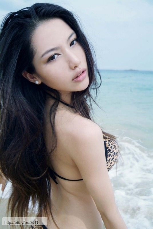 hongkong model Pan shuangshuang mavis wet sexy photos in bikini 03 Everyone knows who Megan Fox ...
