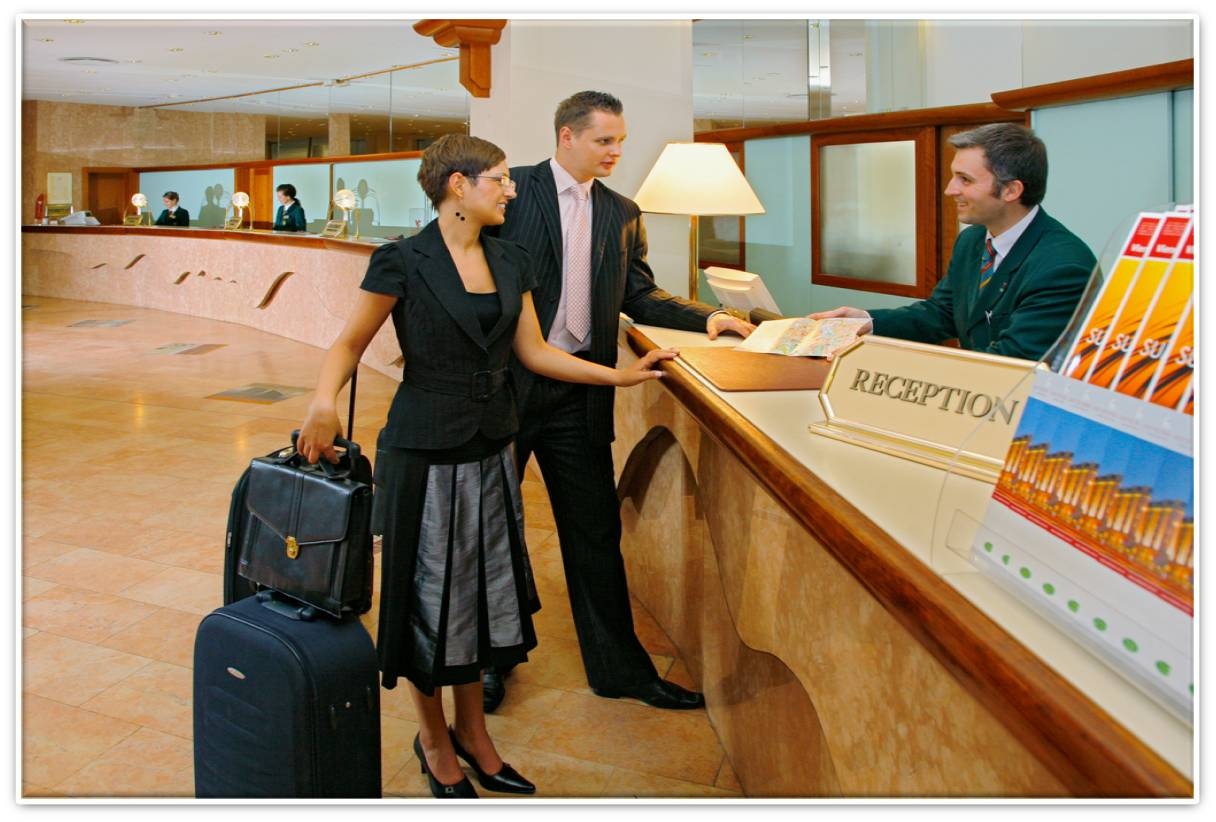 what are the Best Hospitality Courses for hotel management