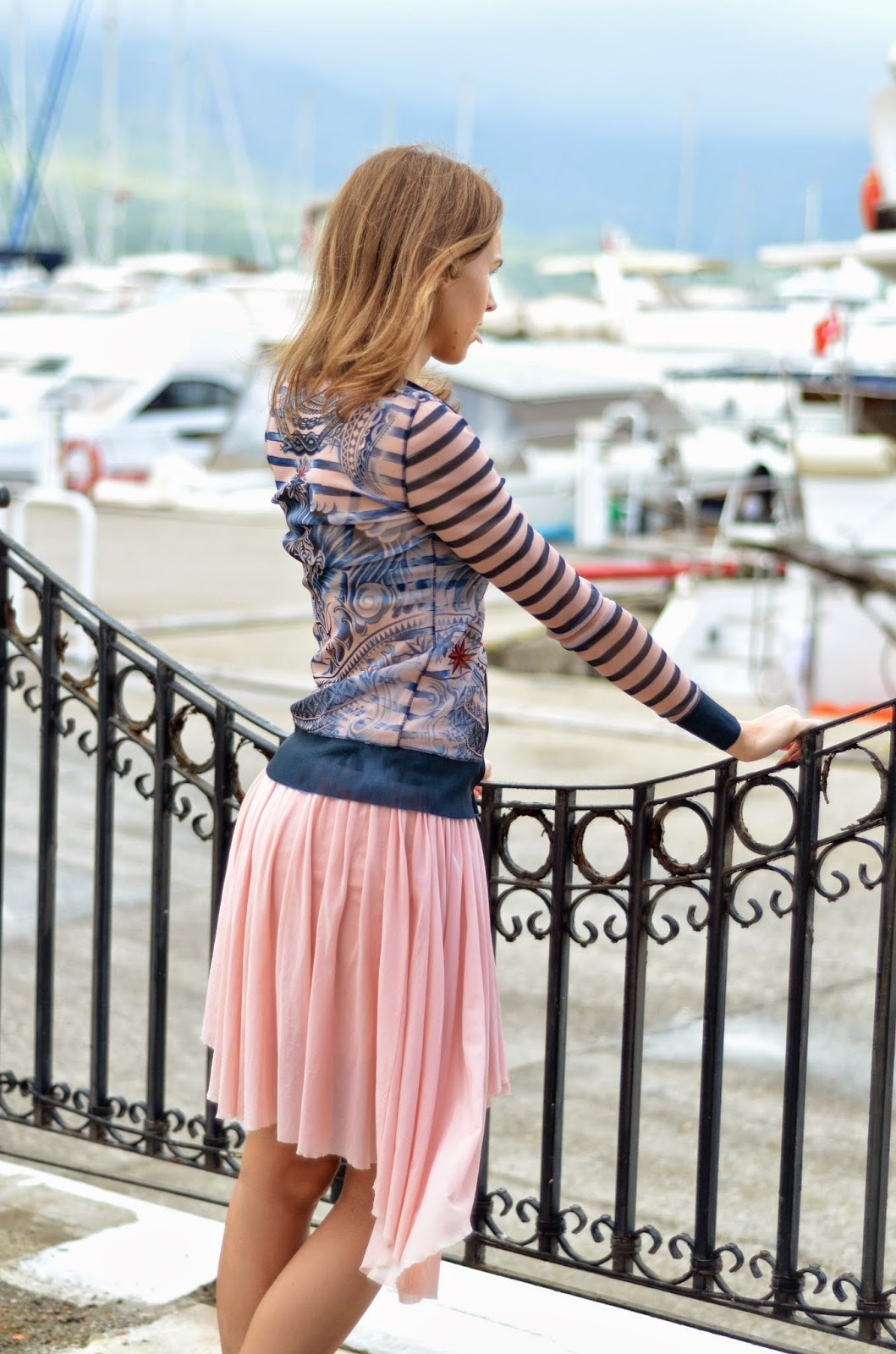 kemer-lindex-gaultier-cardigan-bershka-pleated-skirt
