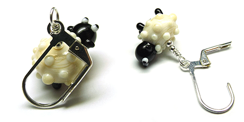 Lampwork glass sheep bead crochet stitch marker by Laura Sparling