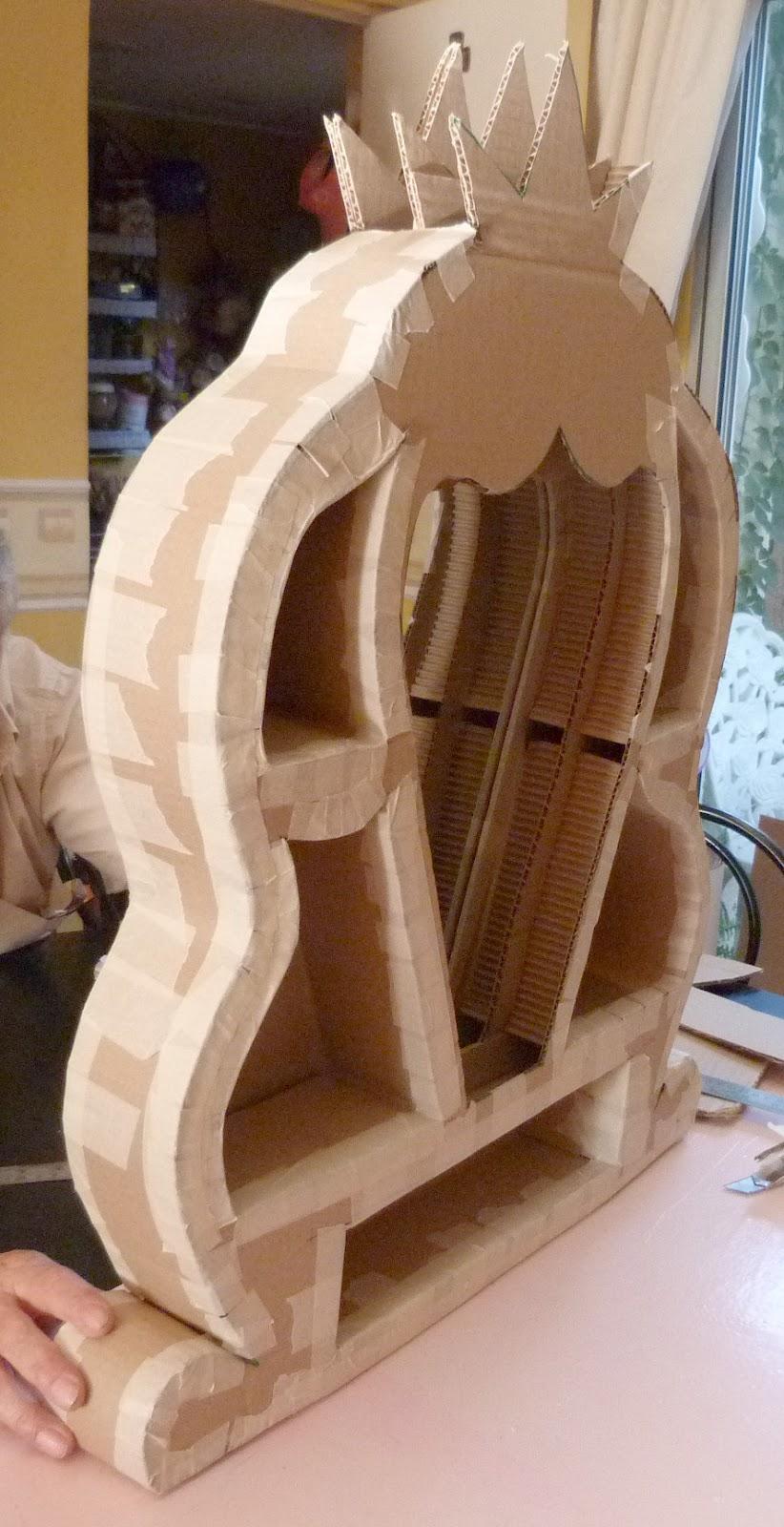 Las creaciones de do a castora muebles de cart n tocador for El castor muebles