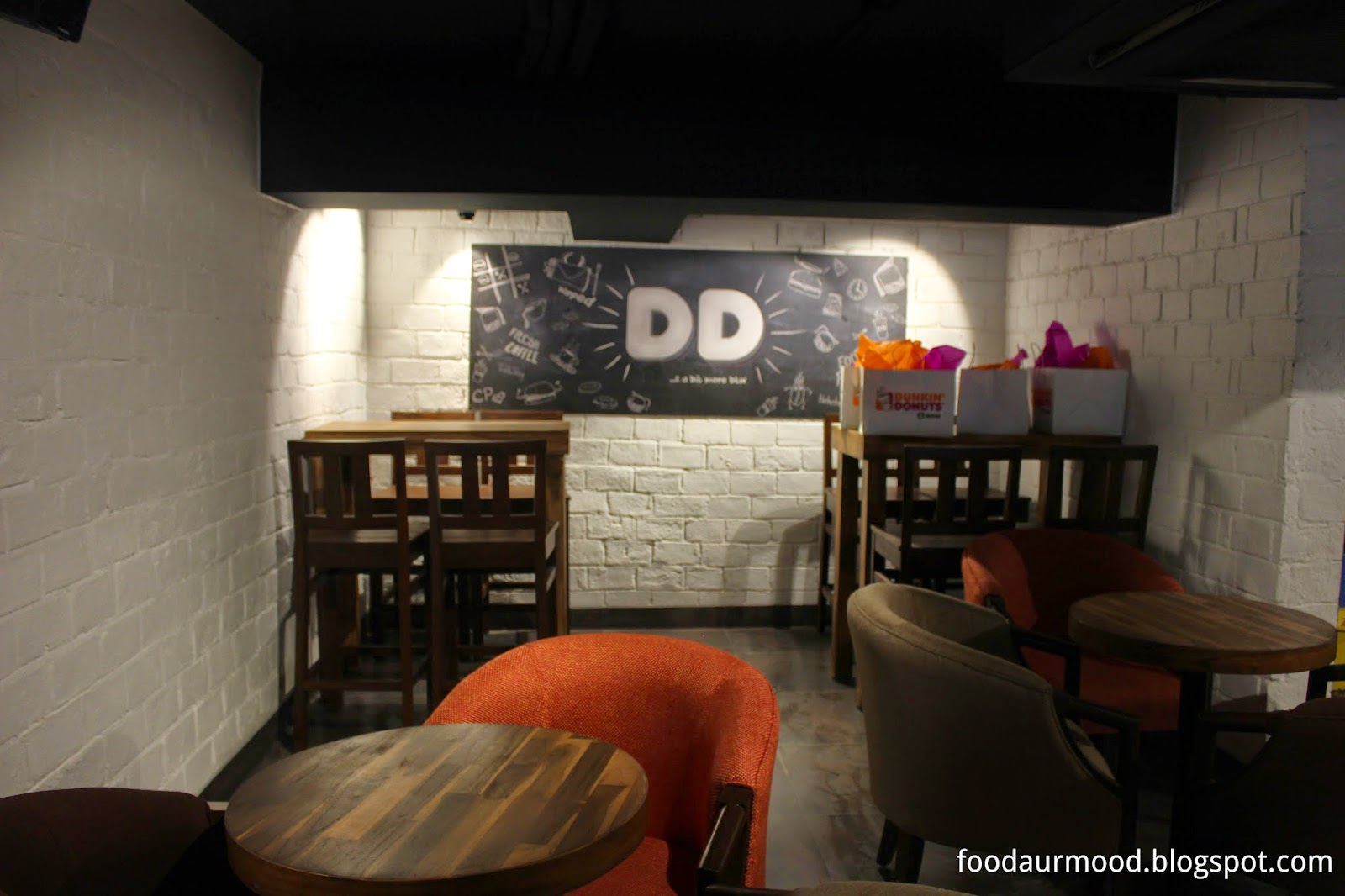 Dunkin Donuts India, Interiors, CP Store