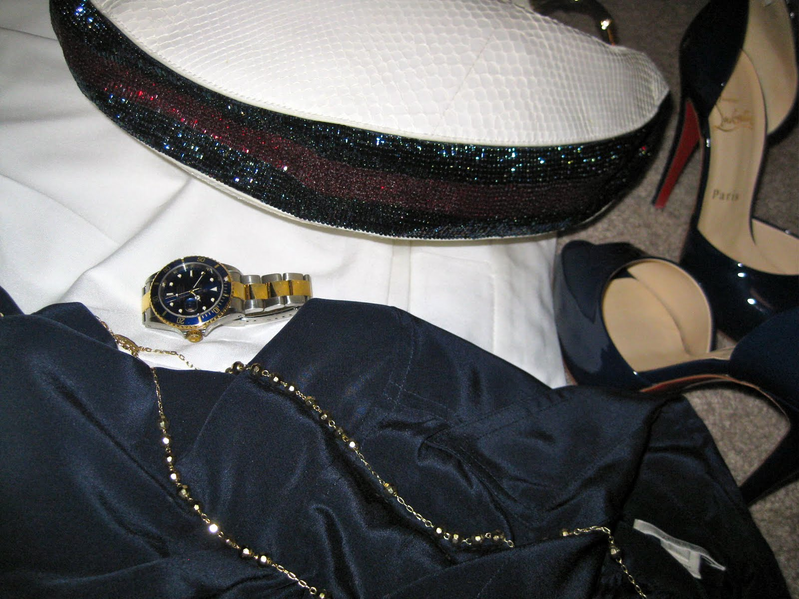 Petite Blogger's white pants OOTD Closeup, Gucci, Rolex