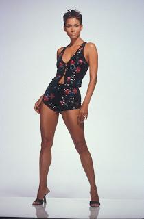 Halle Berry: Halle Berry Legs холли берри