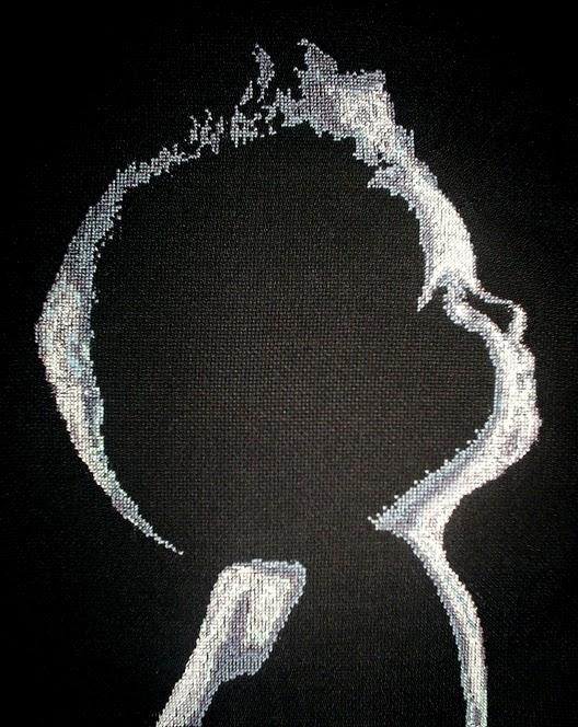 Вышивка малыш на черной канве схема 9