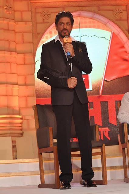 Shah Rukh Khan at ABP Majha Sanman Puraskaar
