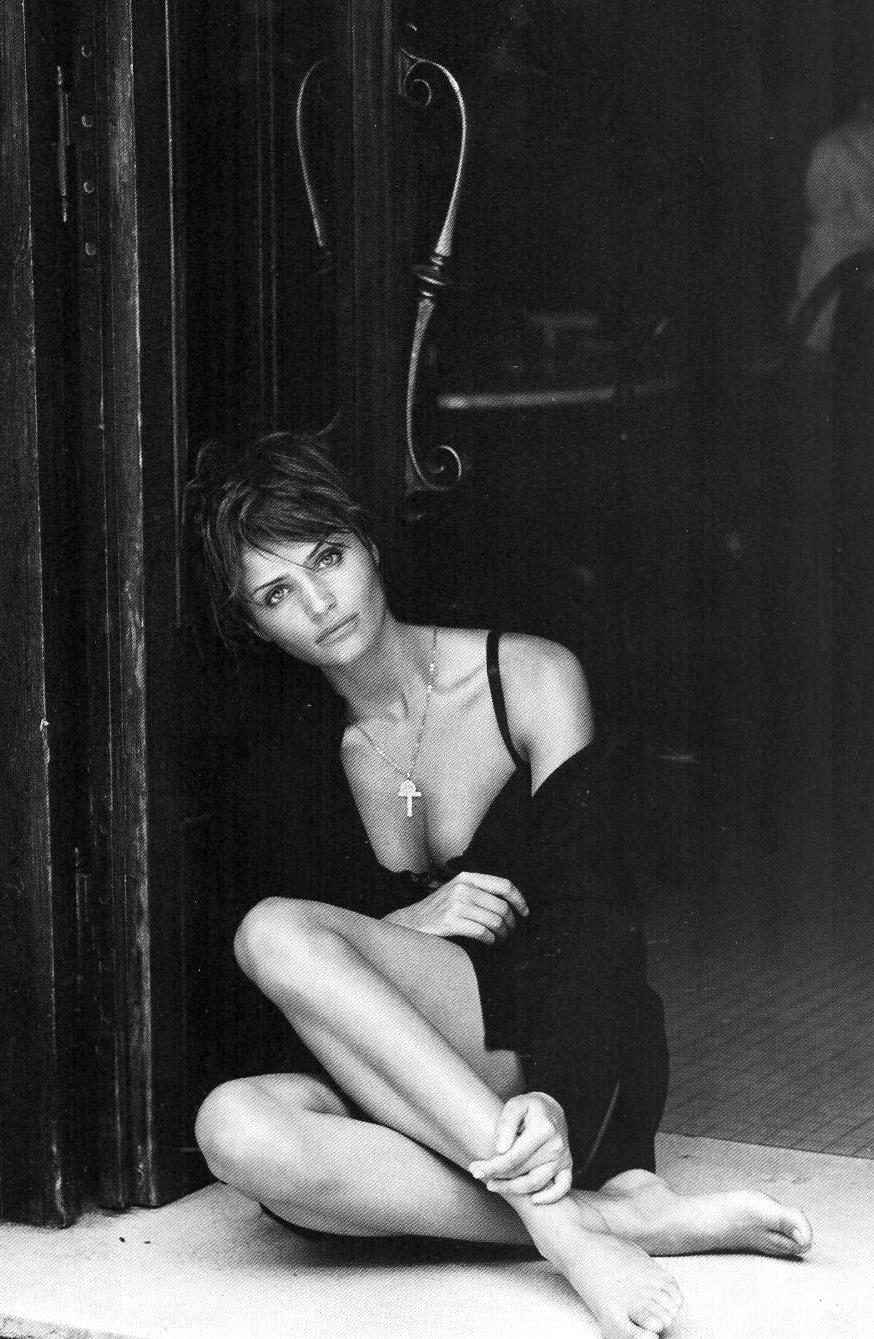 Helena Christensen in Kenar 1993 campaign