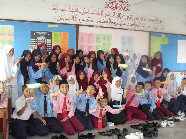 5 BESTARI 2011 ! (I LOVE YOU ALL)