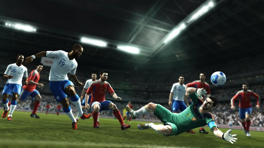 PES 2012 To Allow Players To Control 2 Players At One Time