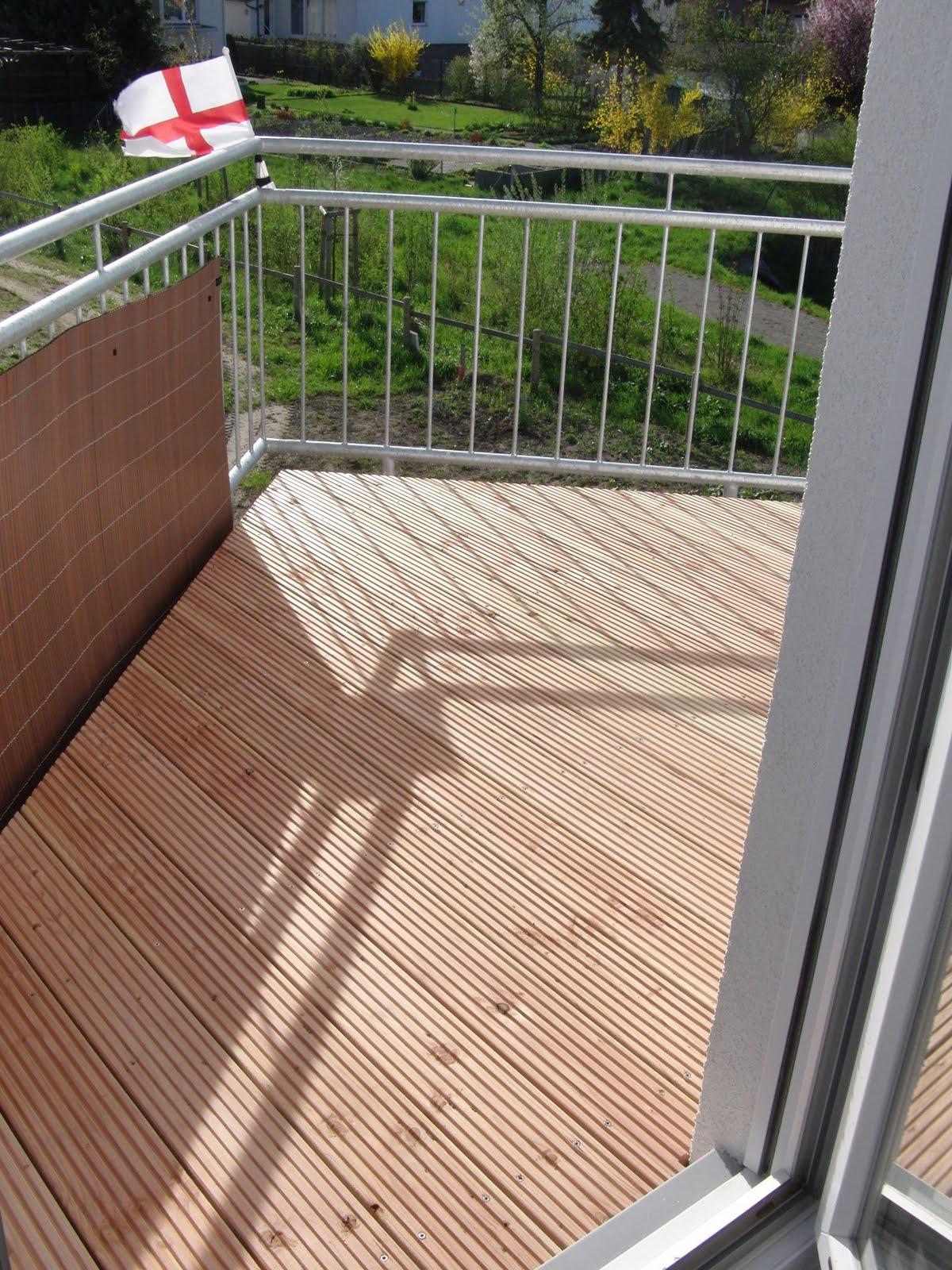 unser bauvorhaben holzbelag balkon. Black Bedroom Furniture Sets. Home Design Ideas