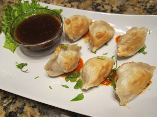 http://www.mami-eggroll.com/2013/01/cheap-and-easy-pork-dumplings.html