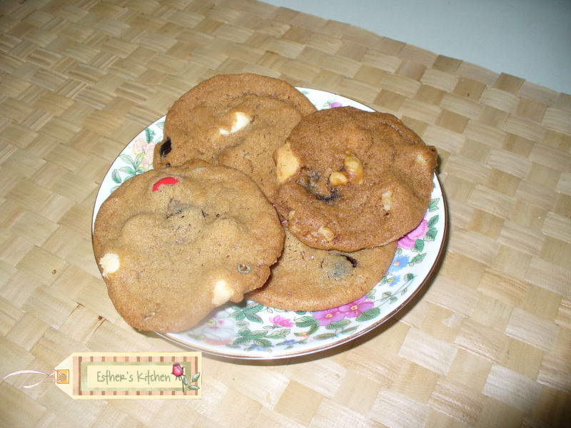 Esther's Kitchen and Garden: Esther's Chocolate Chip Cookies