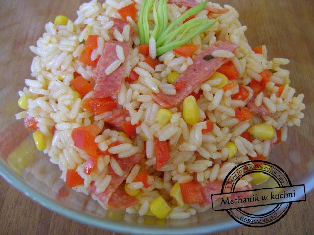 Sałatka węgierska przepis na sałatkę z ryżem salami facet w kuchni mechanik Pszczyna gotuje kulinarne podróże kuchnia azjatycka drugie 2 śniadanie do pracy