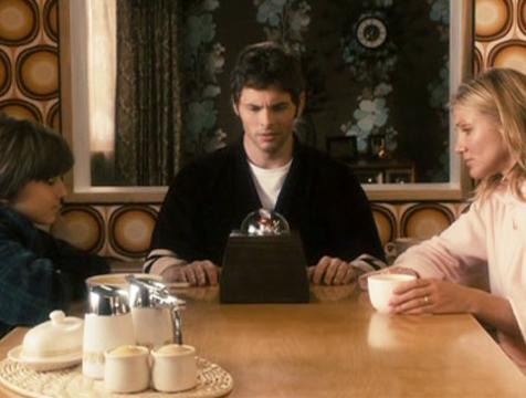 Walter (Sam Oz Stone), Arthur (James Marsden) y Norma Lewis (Cameron Díaz) en The Box - Cine de Escritor