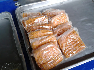 ตลาดนัดเช้า ชลบุรี ขนมรังผึ้ง