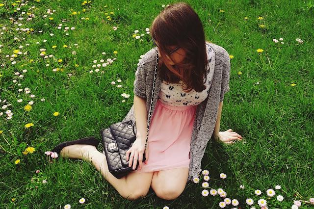 OOTD: Bluzka w mopsiki+różowa spódniczka :*