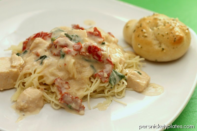 5 ingredient, super simple, Crock Pot Chicken Alfredo | Persnickety Plates