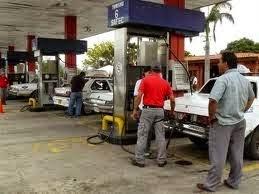 PASANDO LA HOJA / Gasolina y política