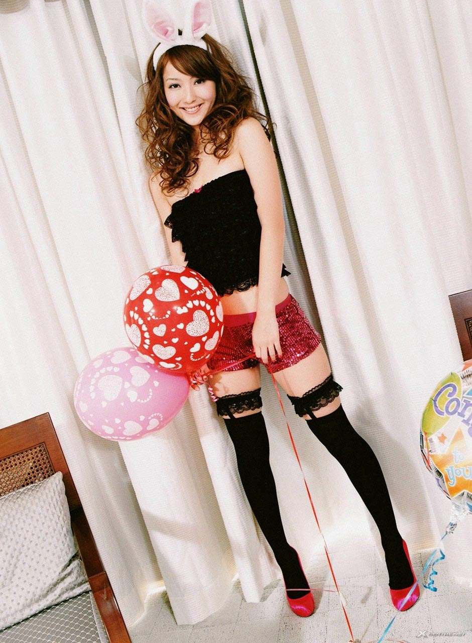 nozomi sasaki sexy bunny cosplay 03