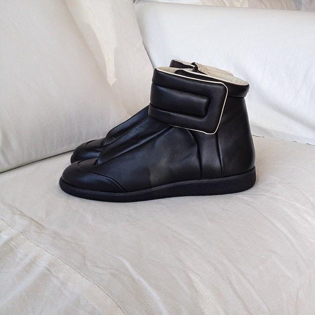 maison martin margiela black future sneakers 2015 collection online spentmydollars. Black Bedroom Furniture Sets. Home Design Ideas