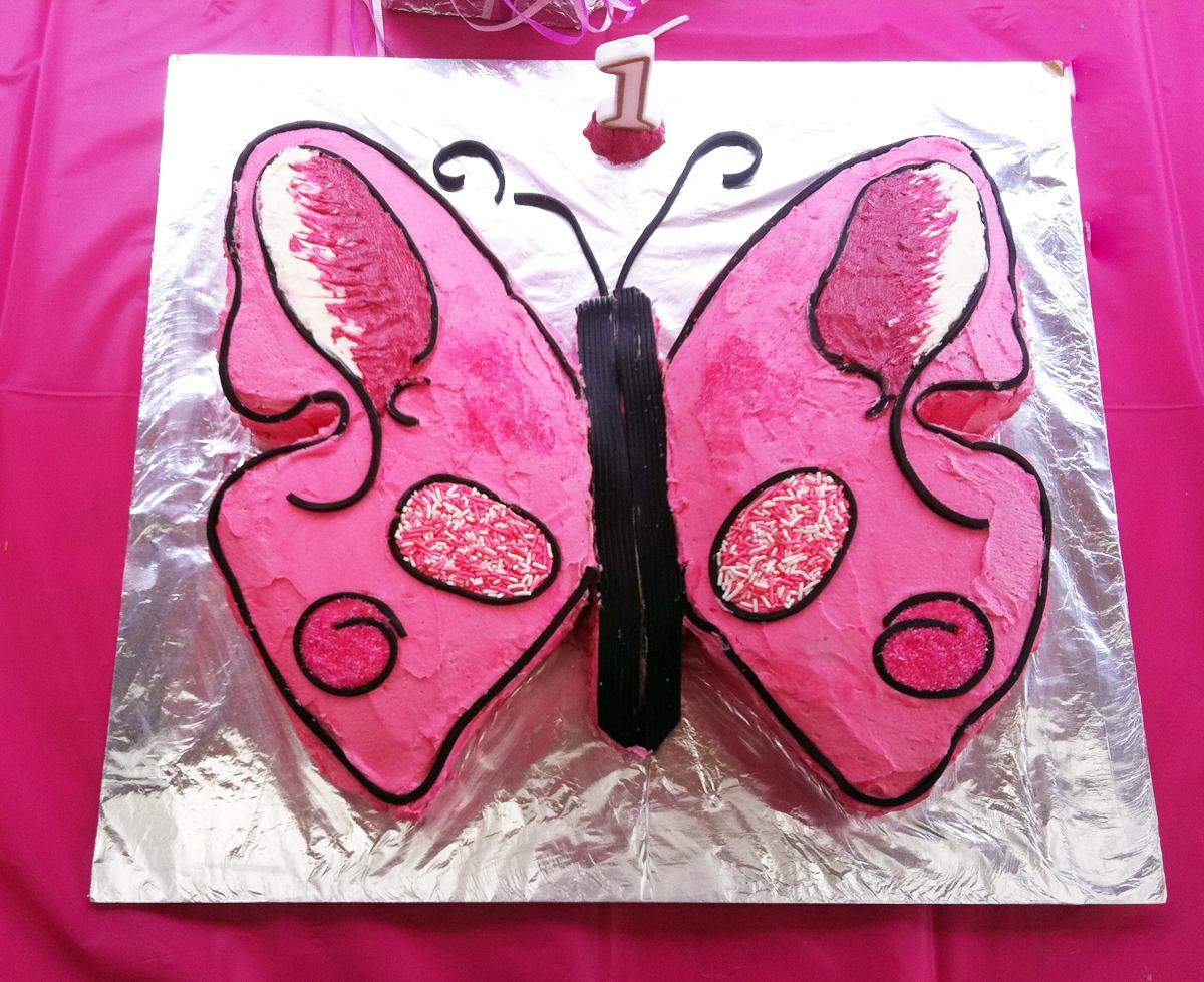 http://3.bp.blogspot.com/-siF3Z6mAtpQ/TifIsORfUKI/AAAAAAAAAOw/xBzmUep8duU/s1600/Butterfly-cake-for-girls-2.jpg