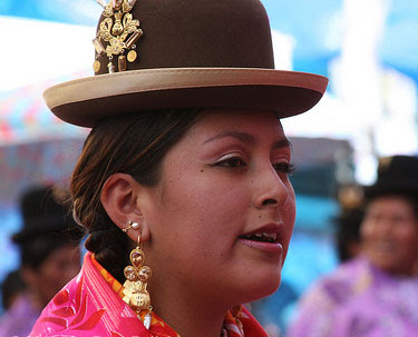 Cholitas Fashion bailarn en Gran Poder 2013: