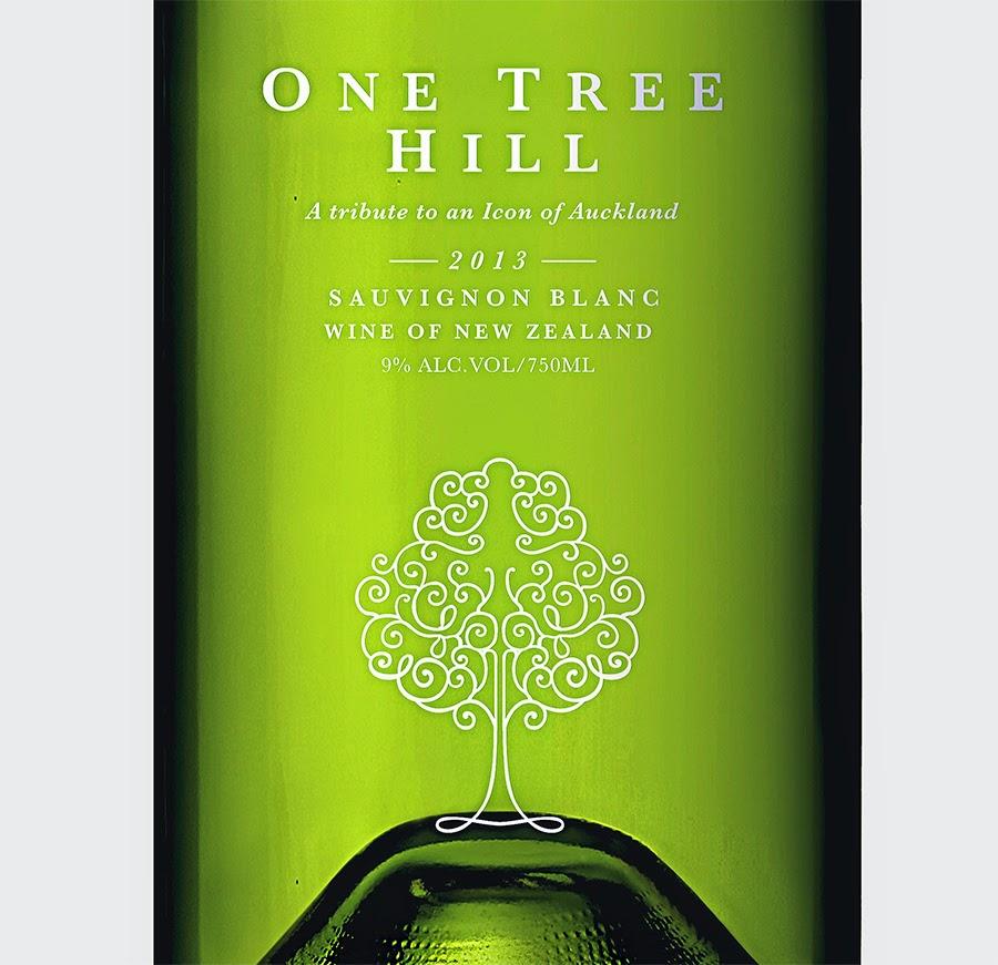 etichetta etichette vino bottiglia confezione trasparente packaging design grafica naming