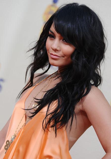 red carpet dresses vanessa hudgens   mtv movie awards 2009