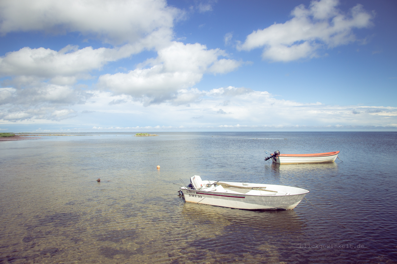 Zwei Boote im Meer