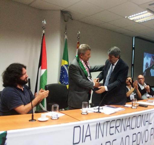 Embaixador da Palestina no Brasil cumprimenta Dep. Luiz Turco