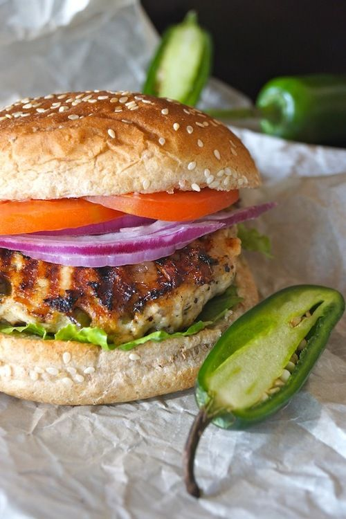 Salsa Verde Turkey Burger.Esto se ve brutal.De verdad que me ...