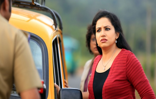 Sheelu Abraham Actress photos in Puthiya Niyamam malayalam movie