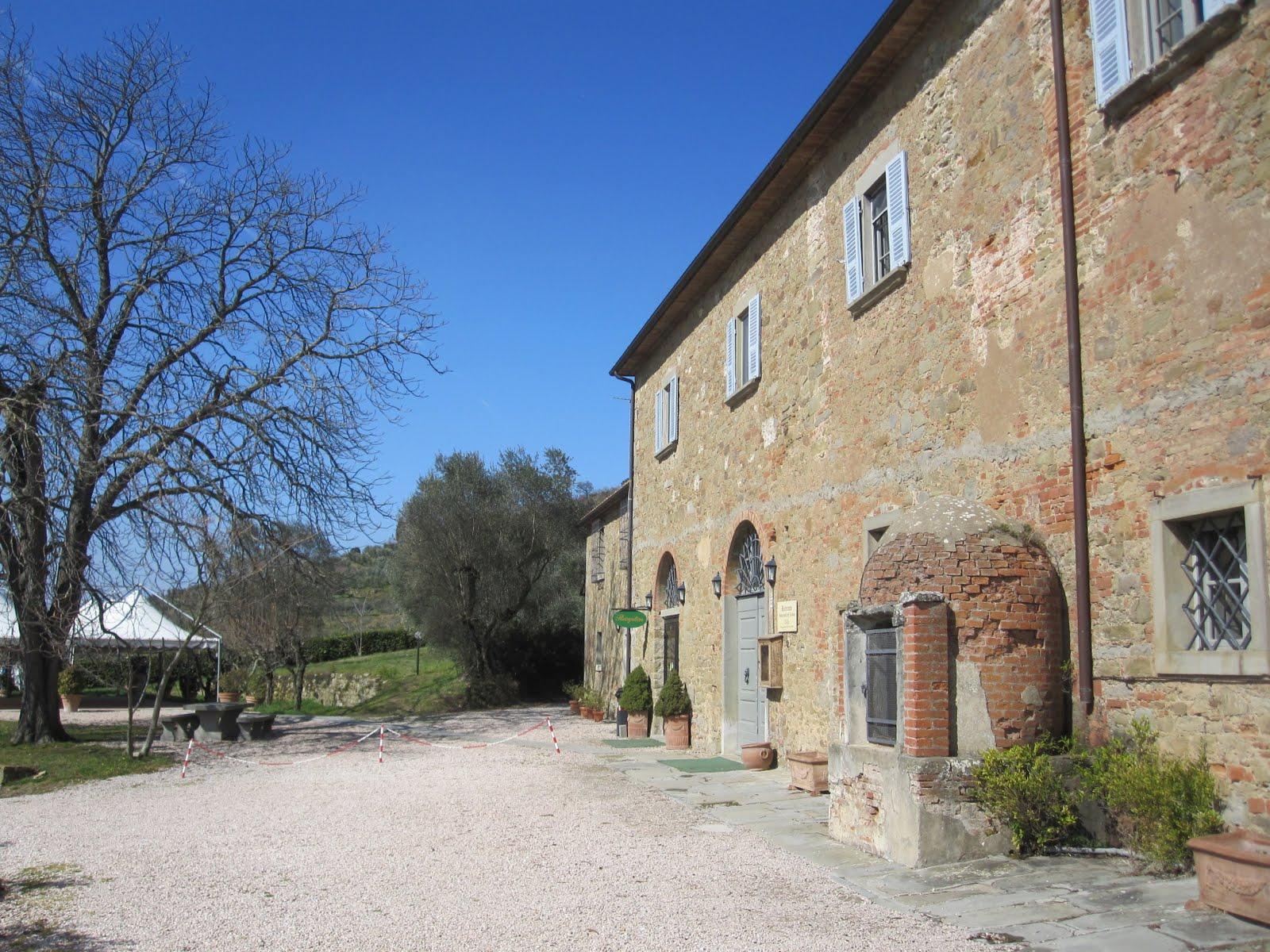 Globobl country house spa antico casale di monte for Mobili 82 tuoro sul trasimeno