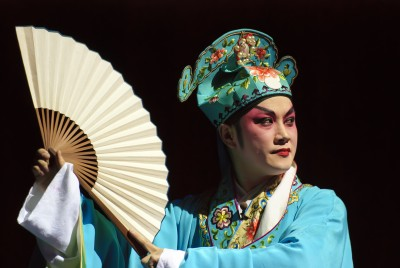 the male dan in chinese opera essay The film, farewell my concubine, directed by chen kaige drew the attention of the western world onto chinese opera at the 1988 cannes film festival by winning the palme d'or award that year farewell my concubine is one of the most famous plays in beijing opera in which the loyalty of yu ji .