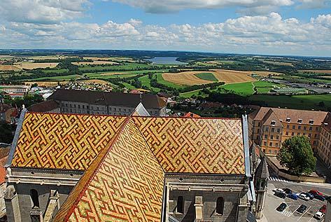 Vue sur la campagne langroise depuis le toit de la Cathédrale Saint Mammès de Langres.