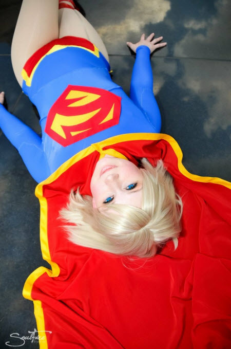 Fly Supergirl! Fly!